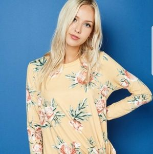 Tops - Floral knotted tunic